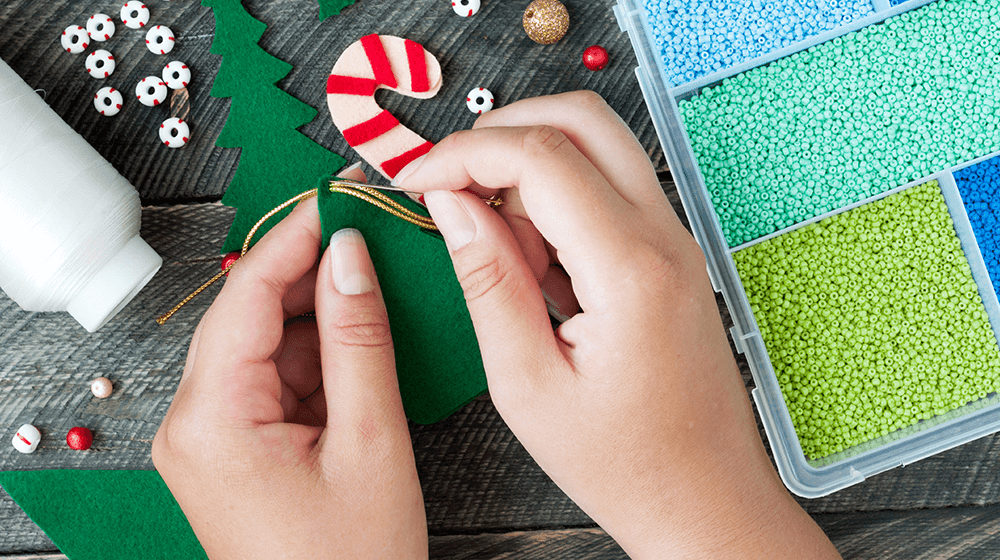 52 Easy Christmas Crafts to Make and Sell